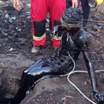 نجات معجزه آساي فرد محبوس شده در مخزن نفت سياه